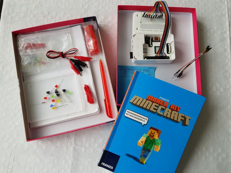 MAKER KIT MINECRAFT 2018