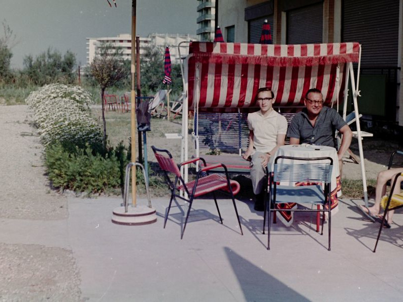 Bibione - vor dem Hotel, 1965