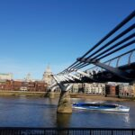 Millenium Bridge - Richtung 'St. Pauls Cathedrale'