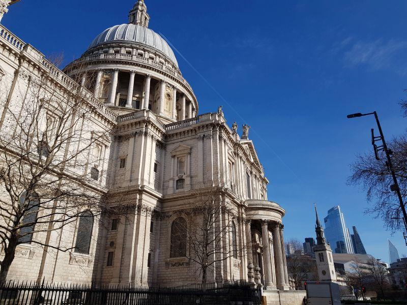 St. Pauls Cathedrale, Seitenansicht