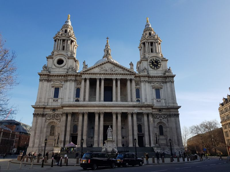 St. Pauls Cathedrale, Front