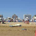 Strand - Blick zum Hotel Palace